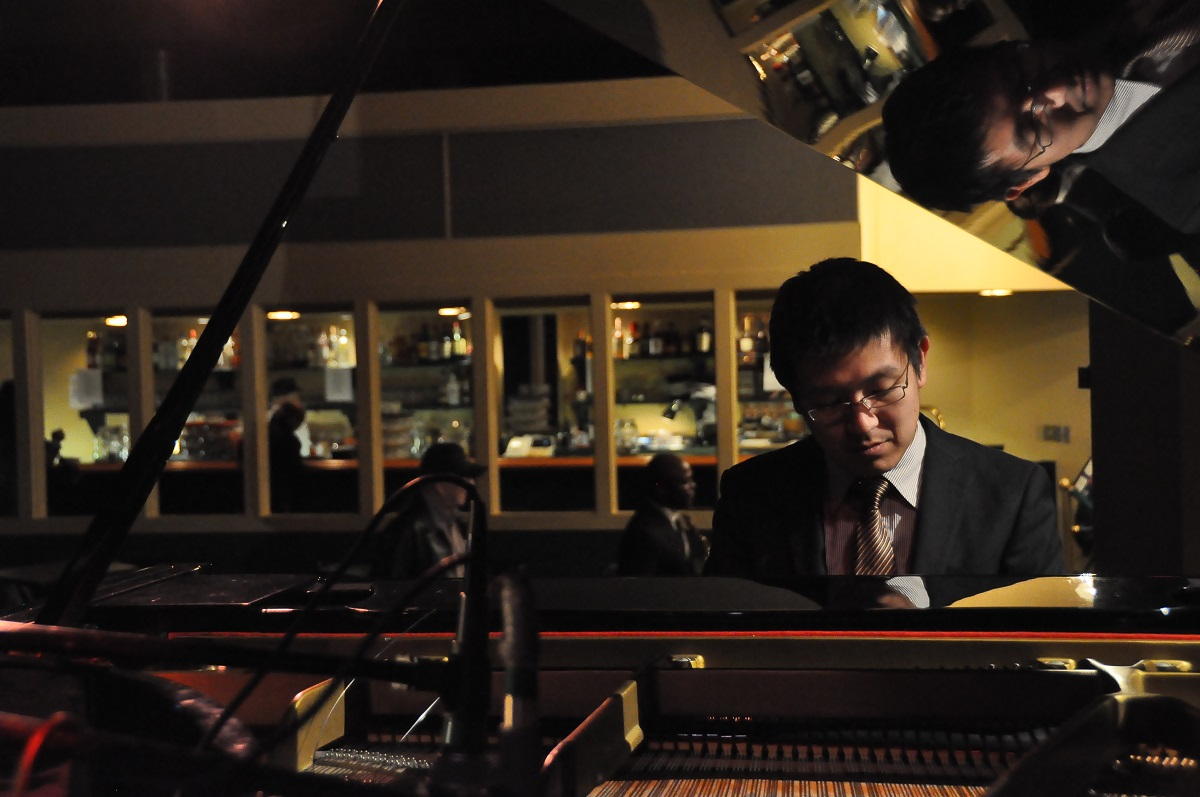 Keigo Hirakawa at jazz piano at Gilly's in Dayton, OH